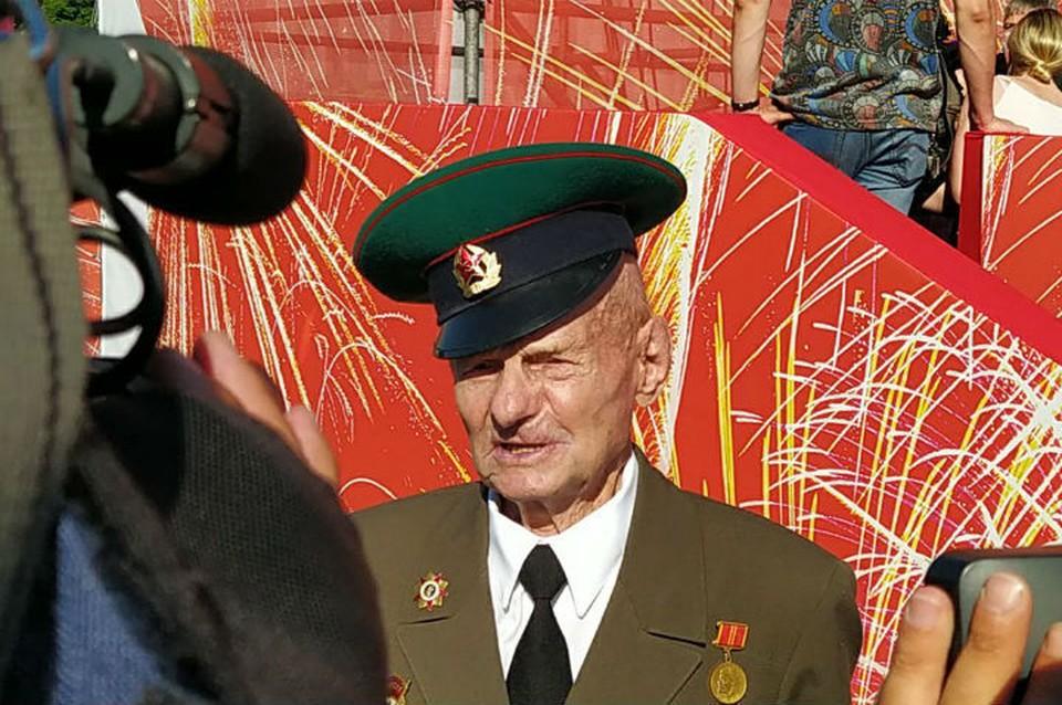 Особым гостем парада Победы в Санкт-Петербурге стал 97-летний ветеран-фронтовик Иван Ходунков