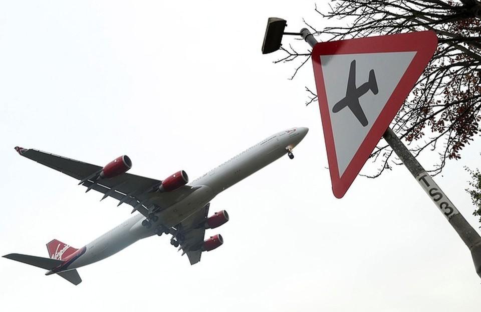 Россия с 15 апреля ограничила авиасообщение с Турцией и Танзанией
