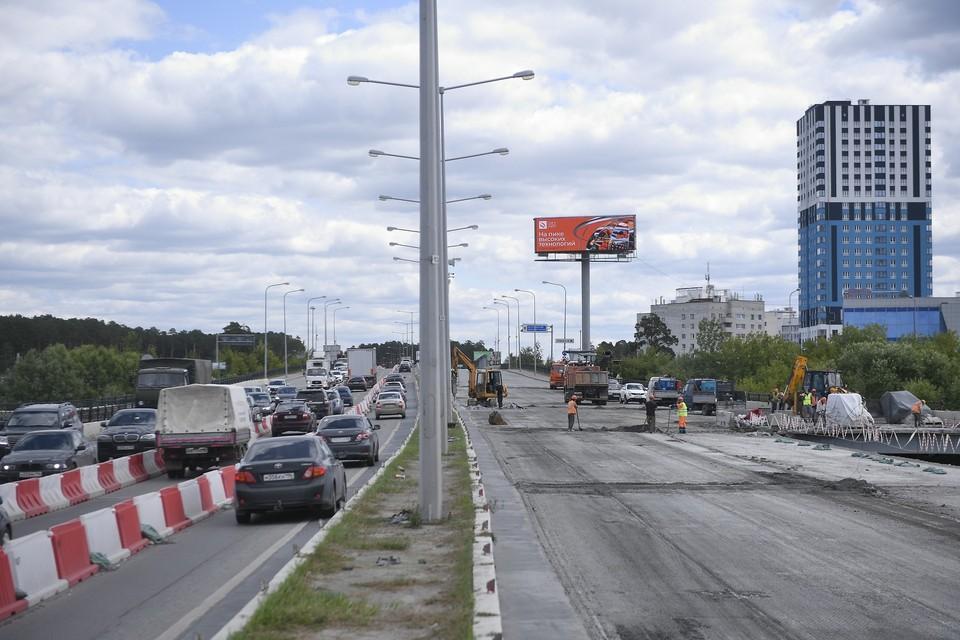 По контракту подрядчик должен закончить ремонт развязки до 15 сентября
