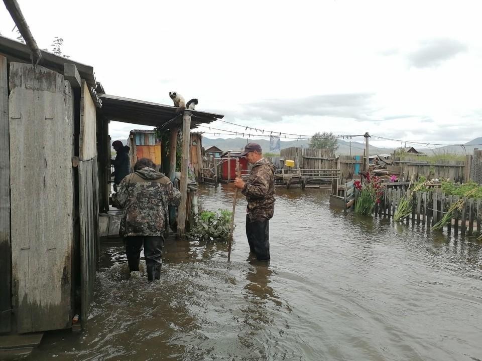 В Бурятии из-за паводков объявлен режим ЧС.
