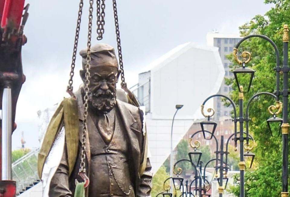Памятник профессору Преображенскому устанавливают в Нижнем Новгороде Фото:@nikolaykaryakin