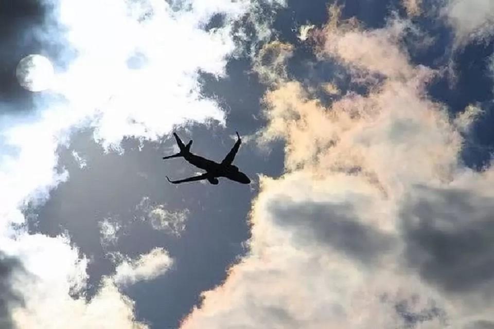 Самолет Хабаровск-Новосибирск прервал взлет из-за срабатывания сигнализации.