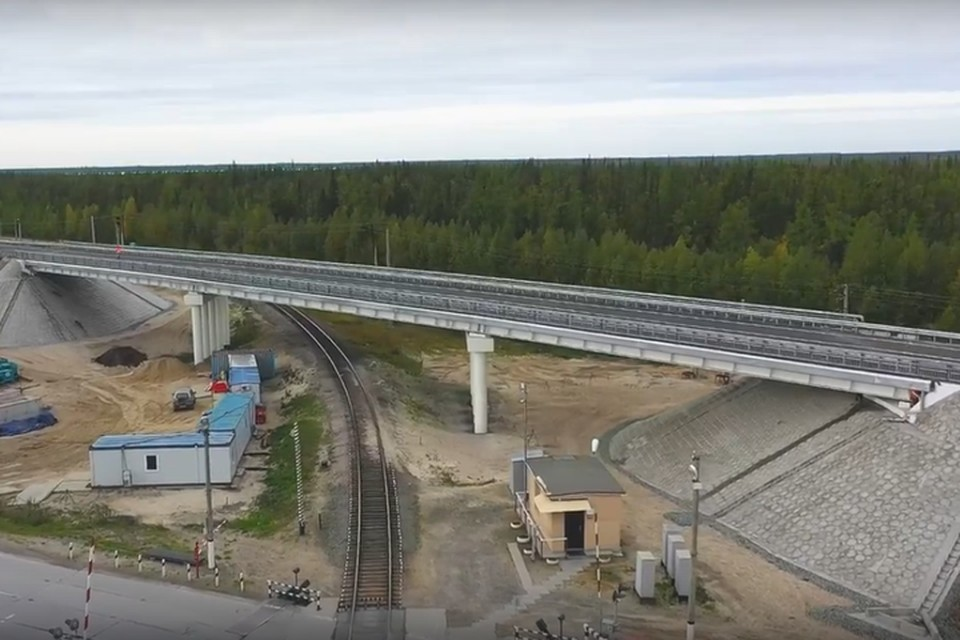 Фото: скриншот из видео. Мост возвели с опережением графика.