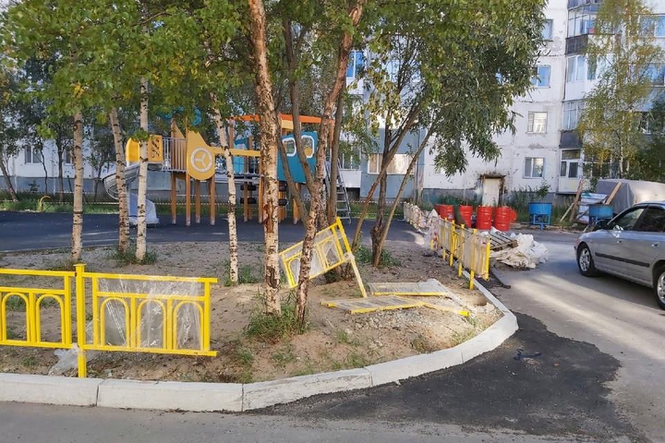 """Фото: паблик """"Злой и добрый надымчанин"""". Площадка по ул. Строителей, ЗА."""