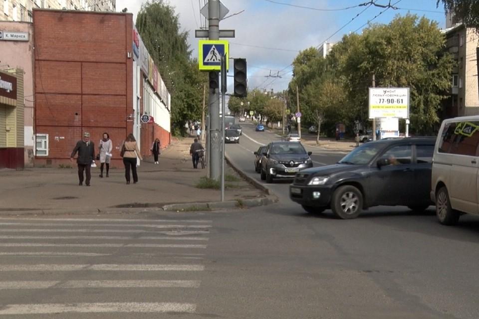 Светофор на перекрестке Пролетарской и Карла Маркса обещают восстановить к сегодняшнему вечеру. Фото: admkirov.ru