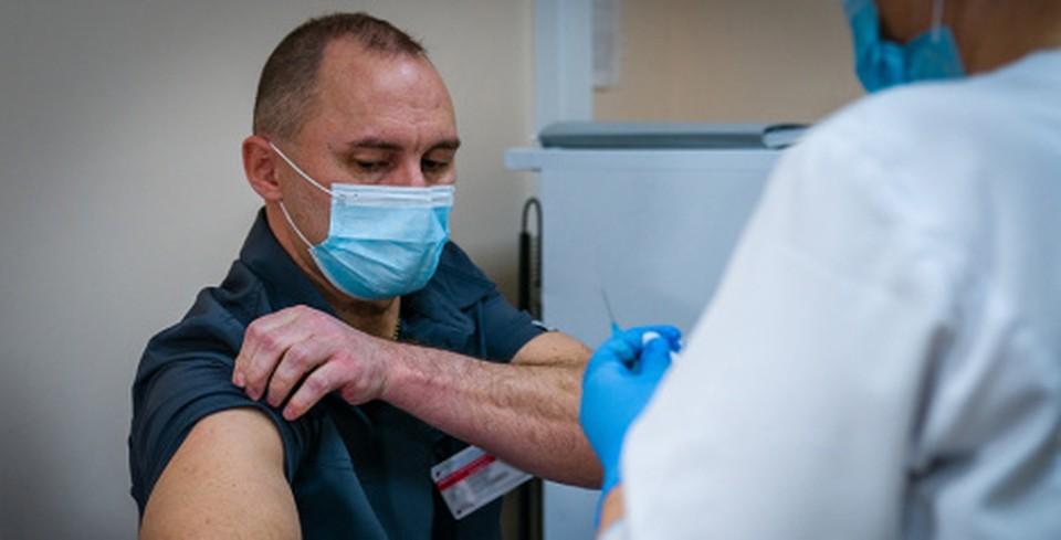 В Ханты-Мансийске продолжают работать выездные бригады для вакцинации от COVID-19 Фото: Городской информационный центр