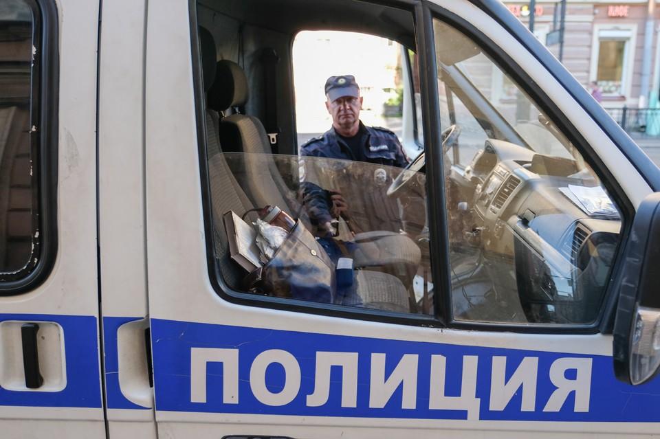 Петербурженка заявила в полицию о пропаже дочери спустя месяц после ее исчезновения