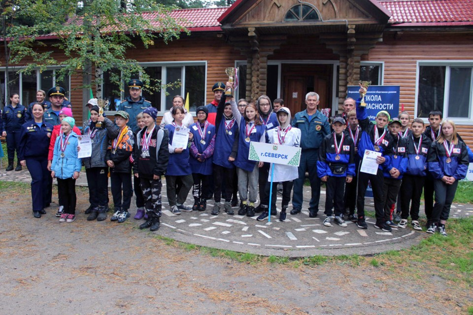 В общекомандном зачете в младшей возрастной группе 1 место заняла команда ЗАТО Северск.