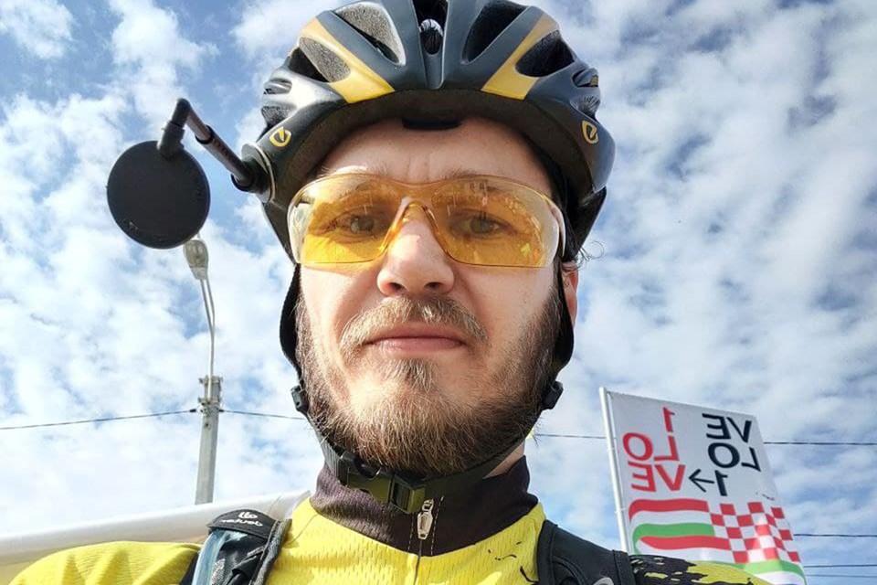 По новому участку проехался велосипедист из Петербурга Александр Ротов.