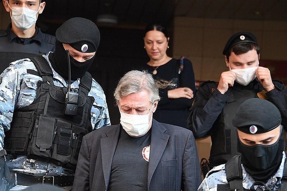 Главная интрига сегодняшнего заседания – удастся ли адвокатам скостить срок Михаила Ефремова