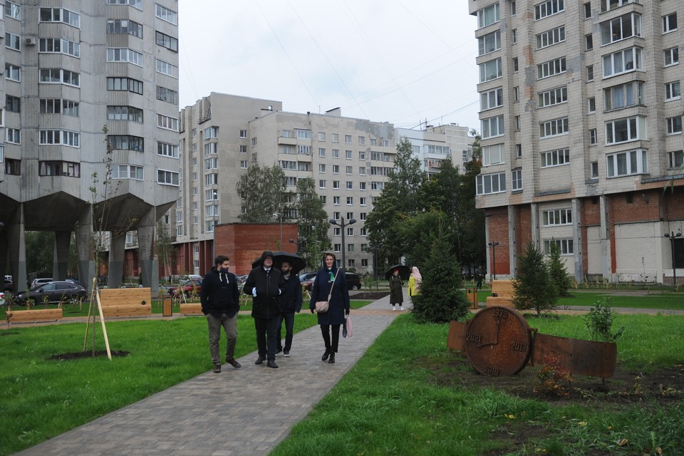 Так выглядит новый сквер «Осенний марафон» в Василеостровском районе.