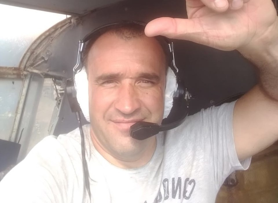"""Погибшего пилота вспоминают как жизнерадостного, влюбленного в небо и свою работу человека. фото: со страницы сообщества """"DZ TomaroFFka""""."""
